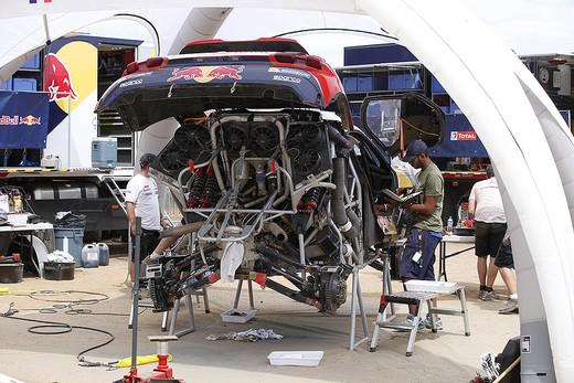 Una giornata di riposo per il Team Peugeot Total