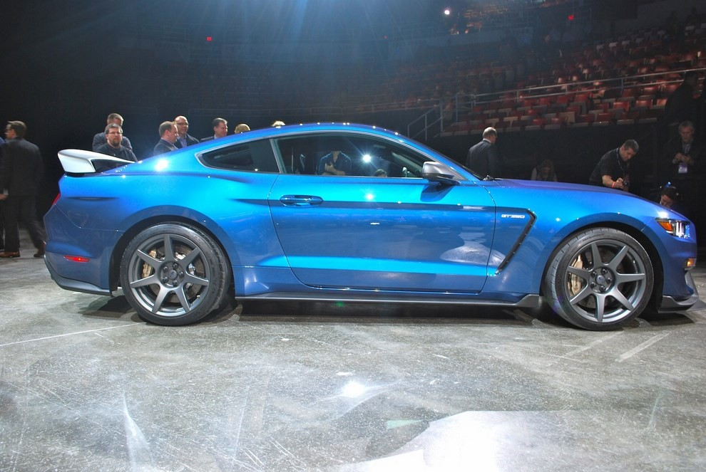 Ford Mustang Shelby GT350R - Foto 5 di 11