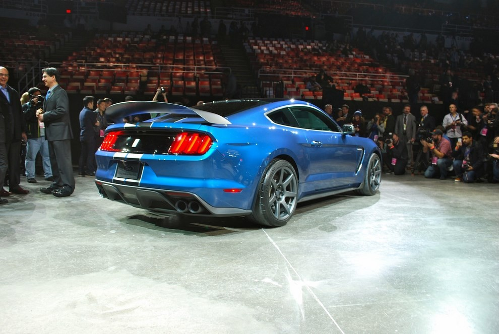 Ford Mustang Shelby GT350R - Foto 7 di 11
