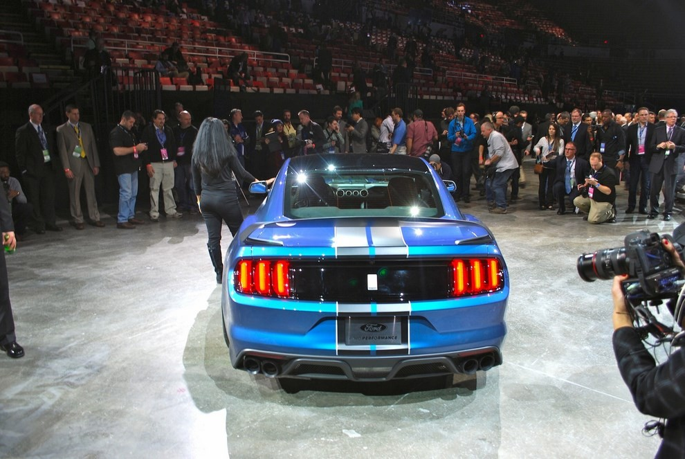 Ford Mustang Shelby GT350R - Foto 8 di 11