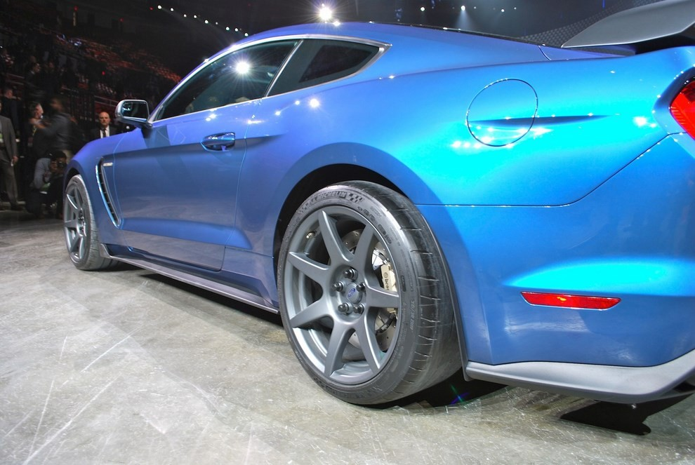 Ford Mustang Shelby GT350R - Foto 9 di 11