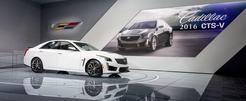 Cadillac CTS-V: supersportiva di lusso all'americana - Foto 3 di 11