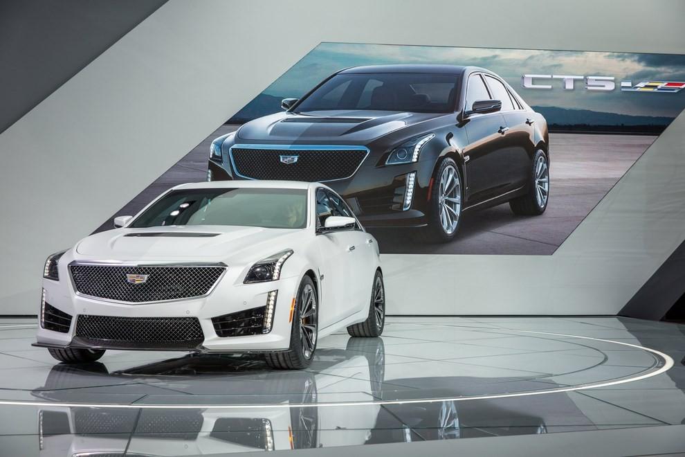 Cadillac CTS-V: supersportiva di lusso all'americana - Foto 8 di 11