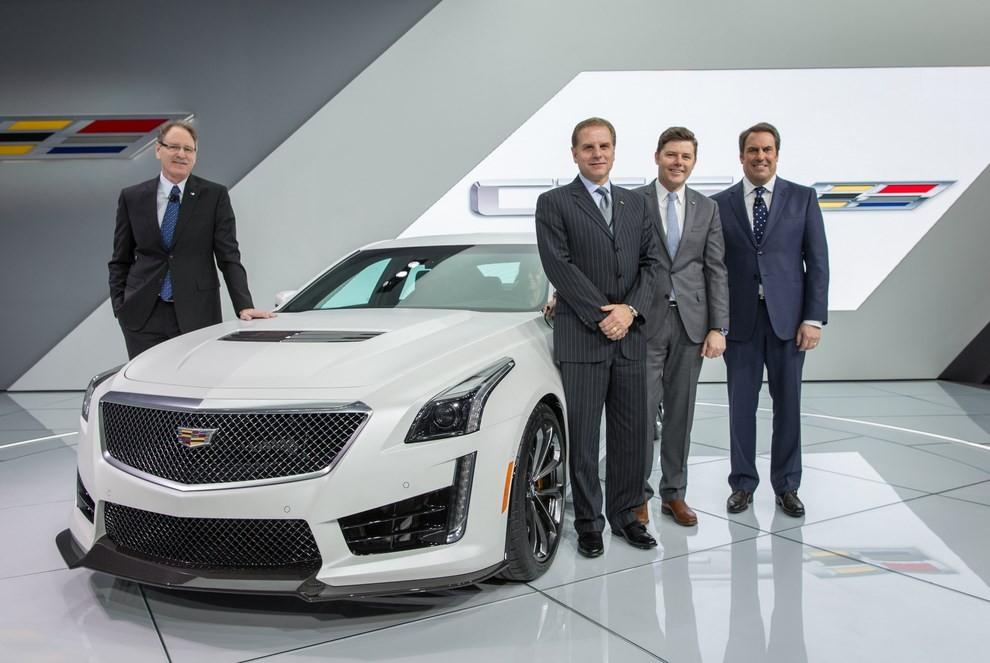 Cadillac CTS-V: supersportiva di lusso all'americana - Foto 9 di 11