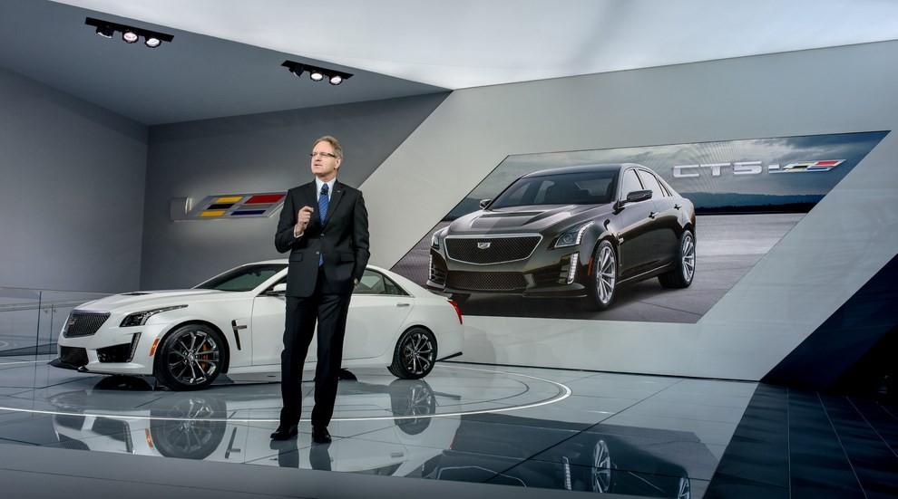 Cadillac CTS-V: supersportiva di lusso all'americana - Foto 10 di 11