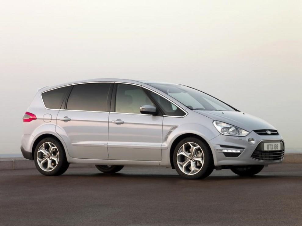 Nuova Ford S-Max prime foto ufficiali della nuova generazione - Foto 3 di 3