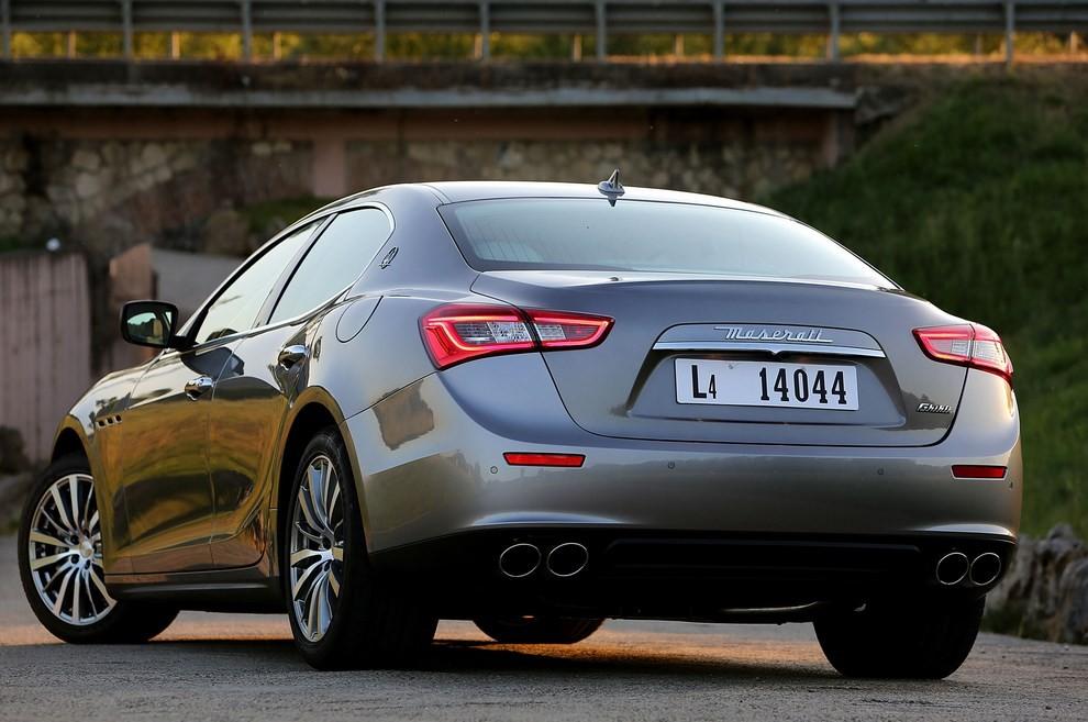 Maserati Ghibli: le informazioni sulla gamma ed i prezzi - Foto 2 di 4