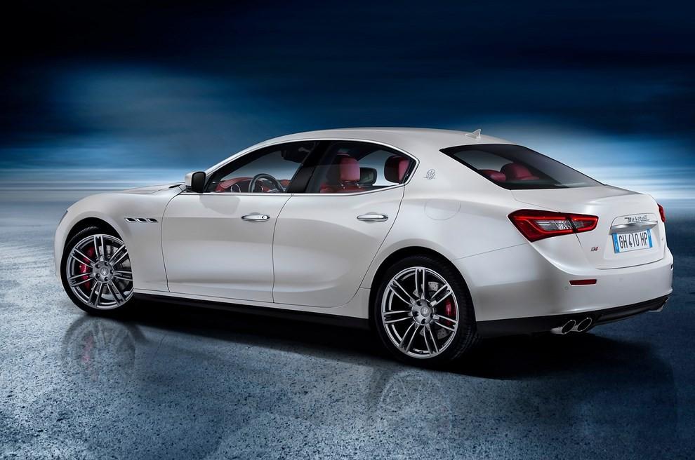 Maserati Ghibli: le informazioni sulla gamma ed i prezzi - Foto 3 di 4