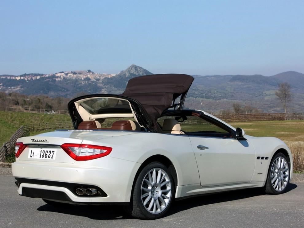 Maserati GranCabrio: la gamma completa con tutti i prezzi - Foto 3 di 3