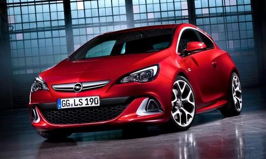Opel Astra GTC, foto ed informazioni ufficiali per la sportiva a tre porte