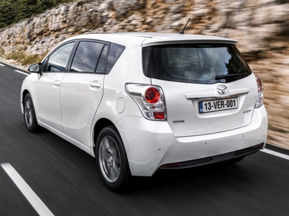 Nuova Toyota Verso - Foto 3 di 3