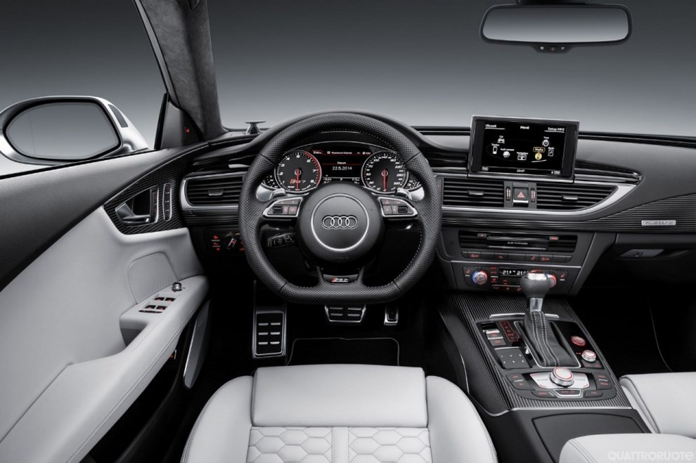 La gamma di Audi A7 si completa con le sportivissime S7 ed RS7 - Foto 4 di 17