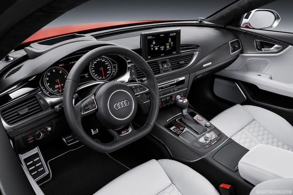 La gamma di Audi A7 si completa con le sportivissime S7 ed RS7 - Foto 6 di 17