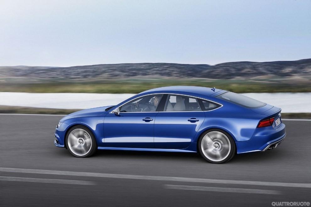 La gamma di Audi A7 si completa con le sportivissime S7 ed RS7 - Foto 13 di 17