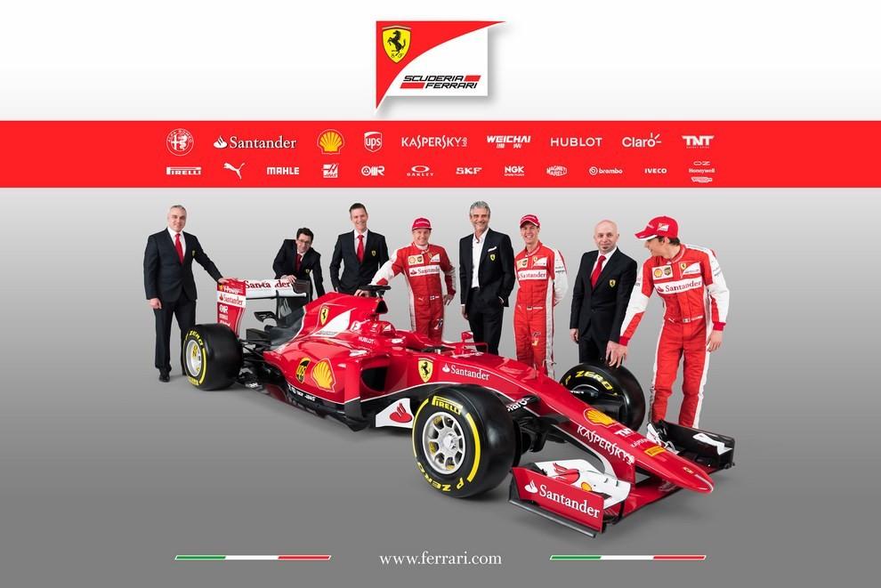 Presentata la Ferrari per il mondiale di Formula 1 2015: ecco la SF15-T - Foto 4 di 13
