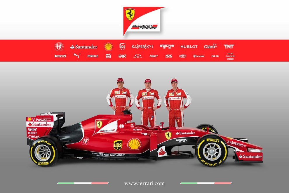 Presentata la Ferrari per il mondiale di Formula 1 2015: ecco la SF15-T - Foto 10 di 13