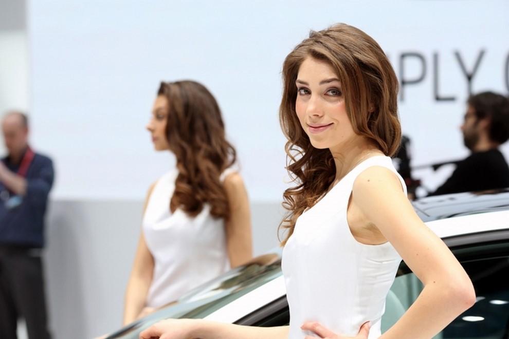 Le ragazze più belle al Salone di Ginevra - Foto 15 di 18