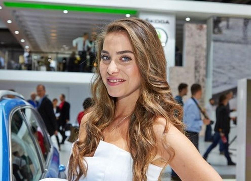 Le ragazze più belle al Salone di Ginevra - Foto 13 di 18