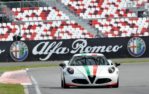 Alfa Romeo 4C, il concorso per creare la nuova livrea della Safety Car del Mondiale SBK