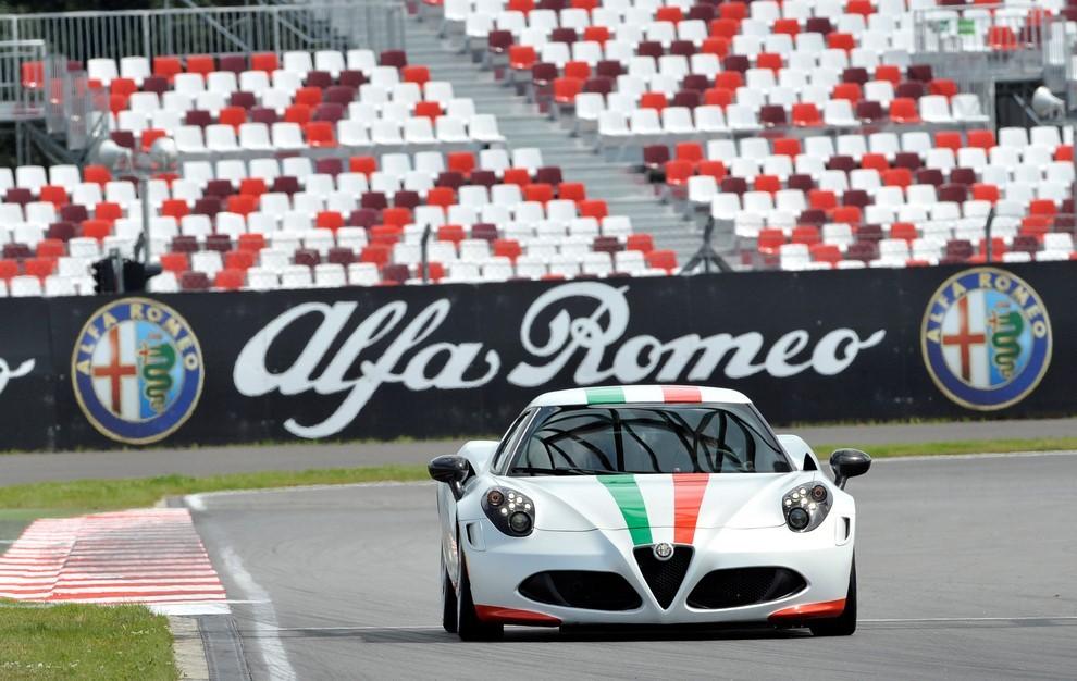 Alfa Romeo 4C, il concorso per creare la nuova livrea della Safety Car del Mondiale SBK - Foto 5 di 5