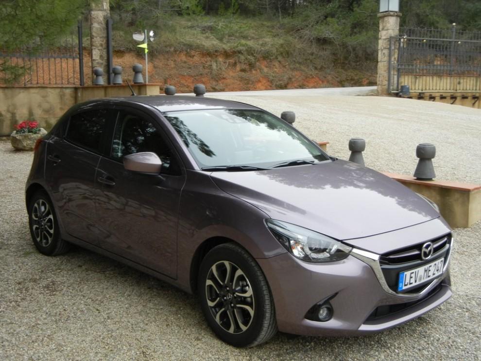 Nuova Mazda2 prova su strada, prezzi e prestazioni - Foto 2 di 13