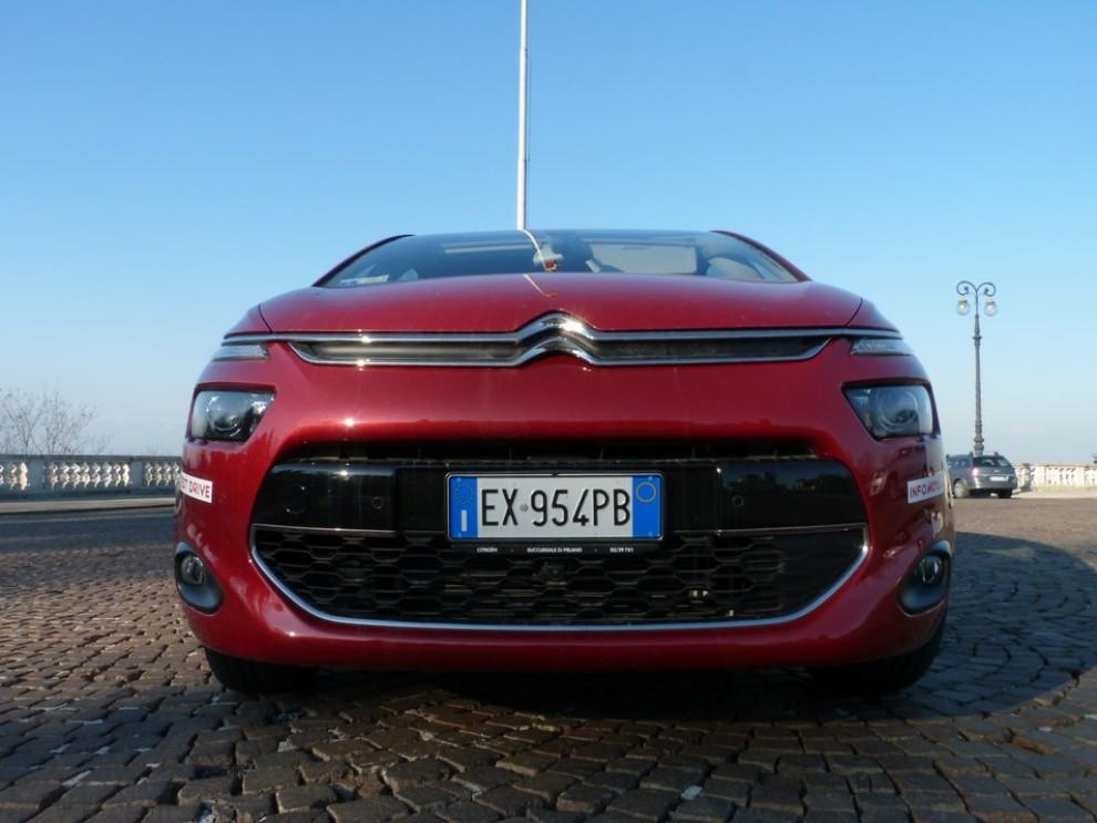 Citroën C4 Picasso 2.0 BlueHDi 150 Cv EAT6 Exclusive: prova su strada - Foto 6 di 15