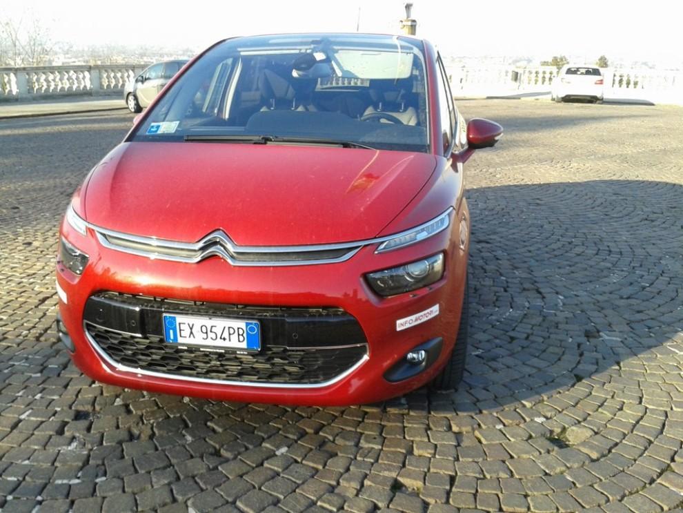 Citroën C4 Picasso 2.0 BlueHDi 150 Cv EAT6 Exclusive: prova su strada - Foto 10 di 15