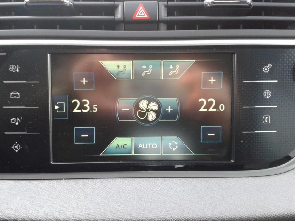 Citroën C4 Picasso 2.0 BlueHDi 150 Cv EAT6 Exclusive: prova su strada - Foto 13 di 15