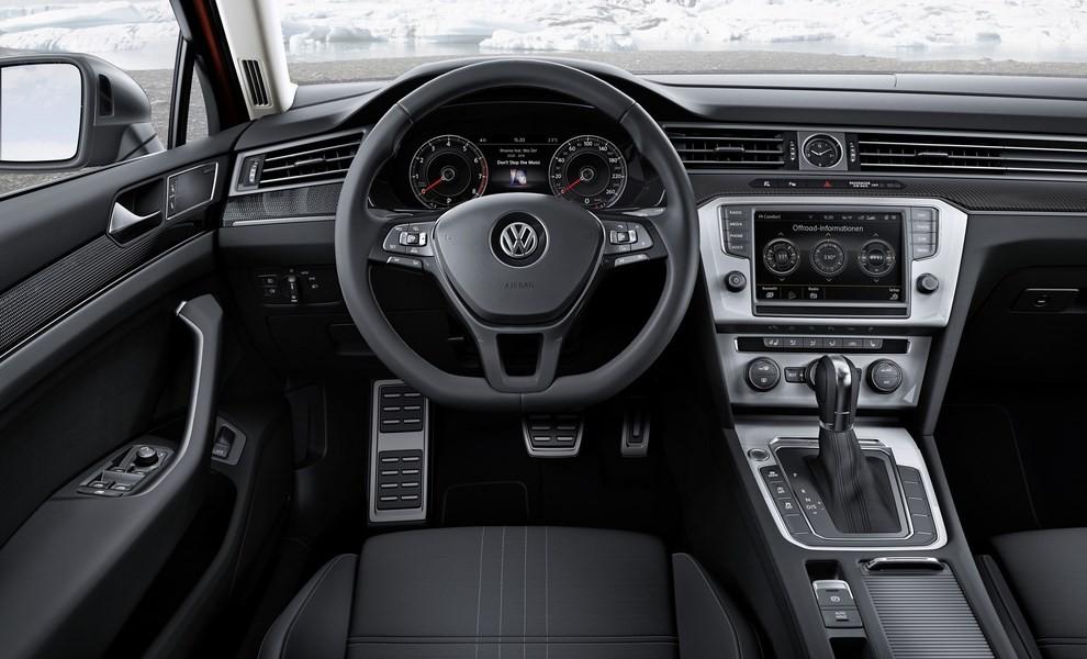Volkswagen Passat Variant 2.0 TDI Businessline, il test drive - Foto 8 di 9