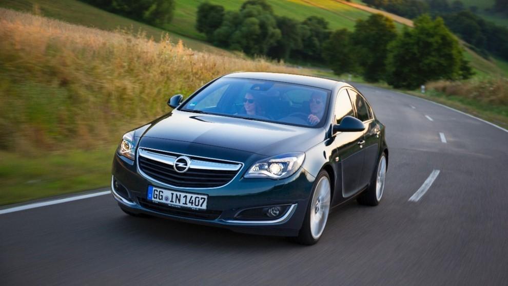 Opel Insignia: la gamma ed i prezzi del modello - Foto 8 di 14