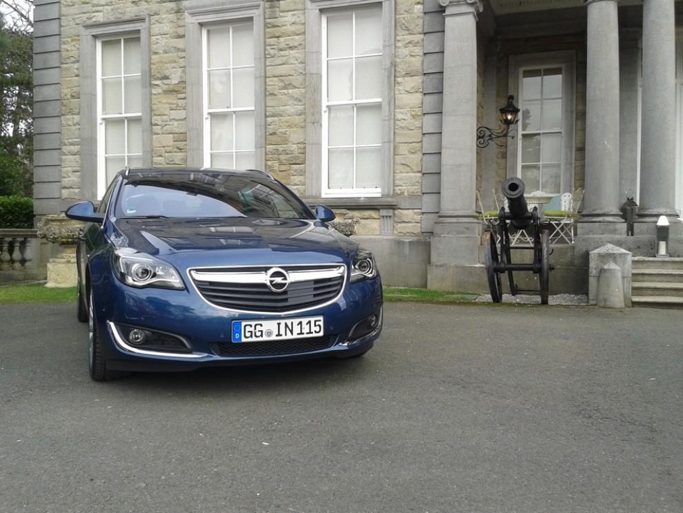 Opel Insignia: la gamma ed i prezzi del modello - Foto 9 di 14