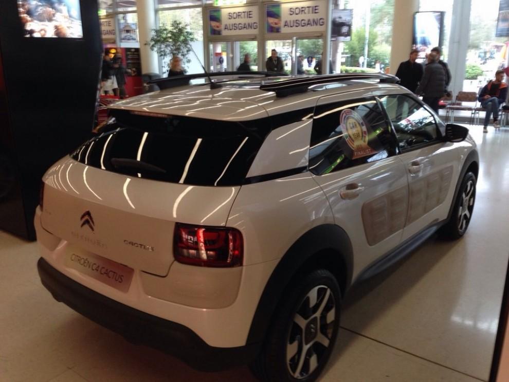 La Volkswagen Passat è stata eletta Auto dell'Anno 2015 - Foto 11 di 19