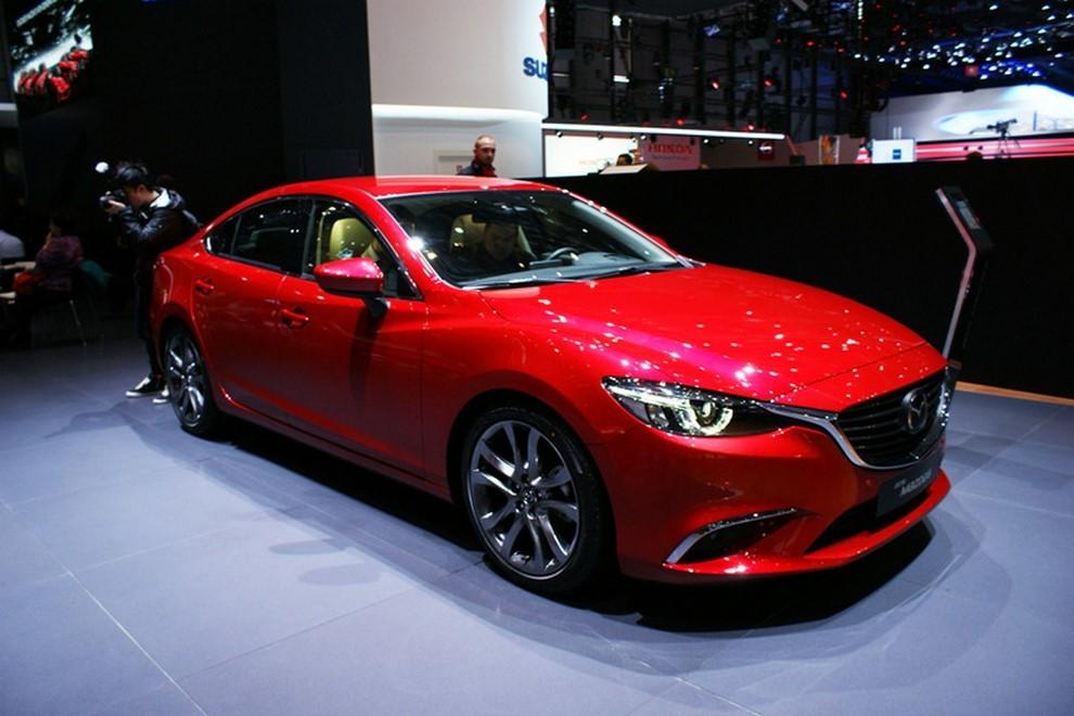 Mazda6 restyling le prime immagini - Foto 2 di 7