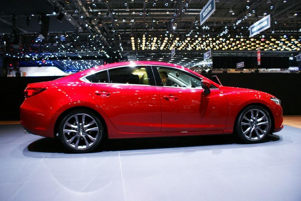Mazda6 restyling le prime immagini - Foto 3 di 7