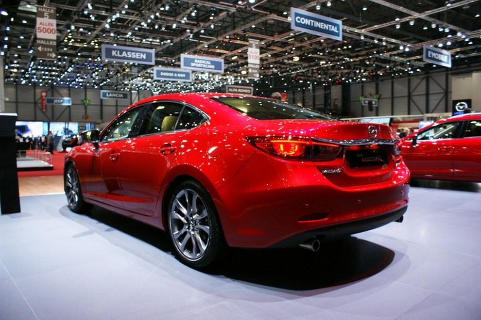 Mazda6 restyling le prime immagini - Foto 4 di 7