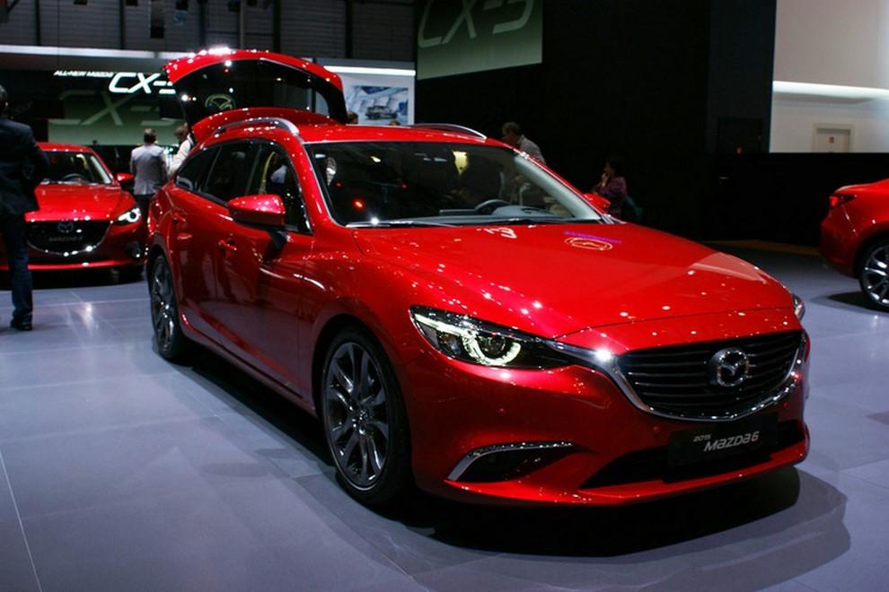 Mazda6 restyling le prime immagini - Foto 6 di 7