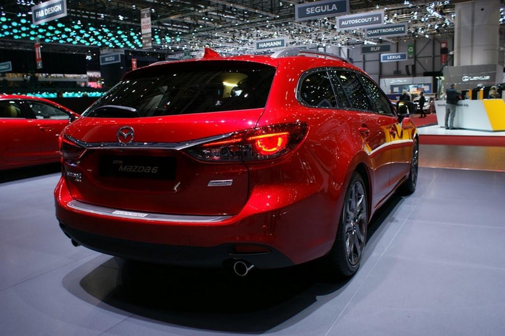 Mazda6 restyling le prime immagini - Foto 1 di 7