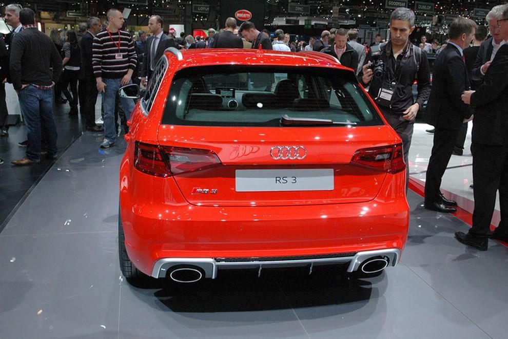 Audi RS 3 Sportback debutta la top di gamma dell'Audi A3 - Foto 3 di 11
