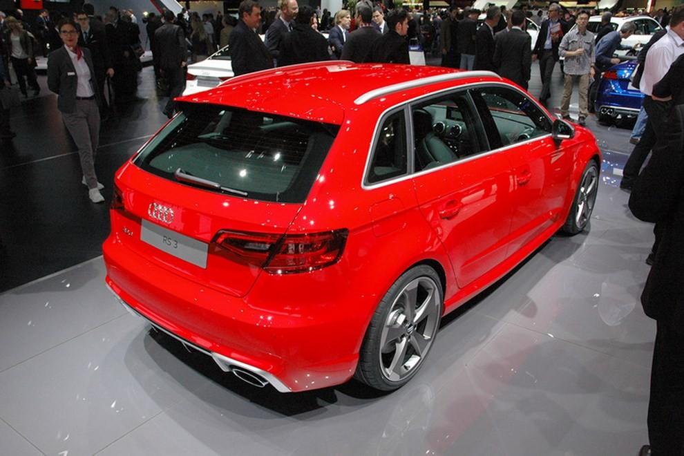 Audi RS 3 Sportback debutta la top di gamma dell'Audi A3 - Foto 4 di 11