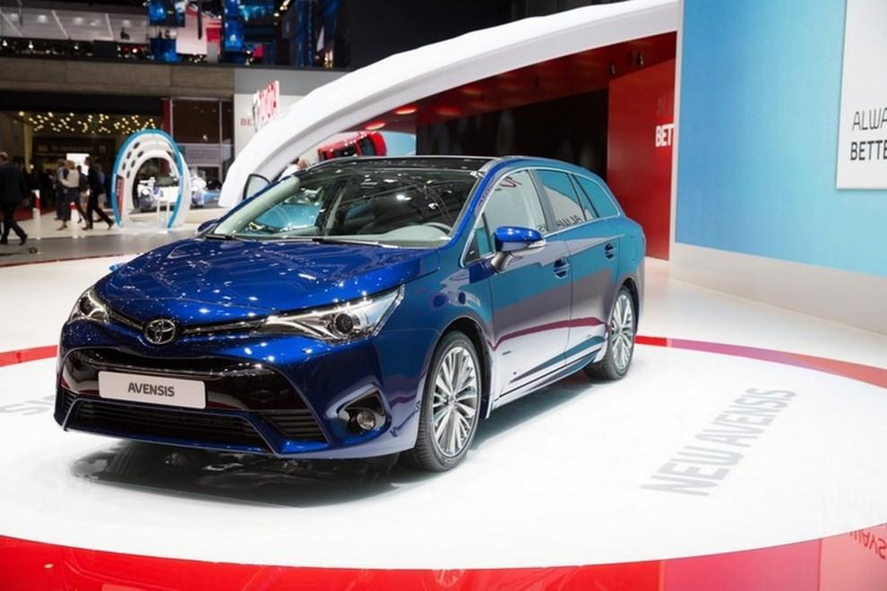 Nuova Toyota Avensis le immagini della terza generazione - Foto 2 di 6