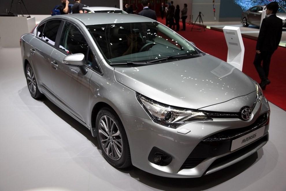 Nuova Toyota Avensis le immagini della terza generazione - Foto 4 di 6