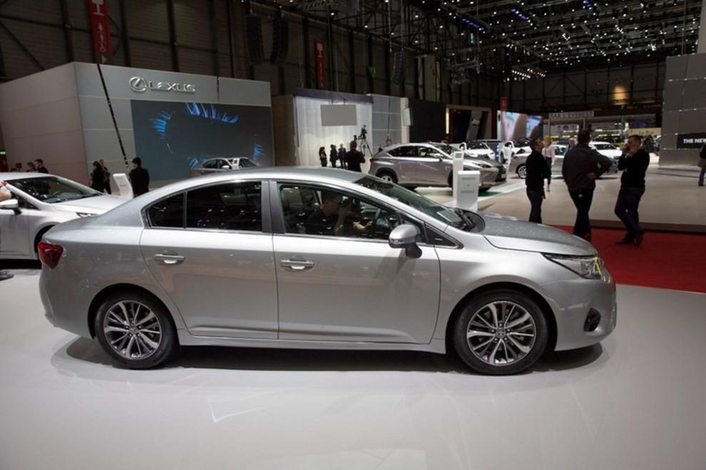 Nuova Toyota Avensis le immagini della terza generazione - Foto 5 di 6