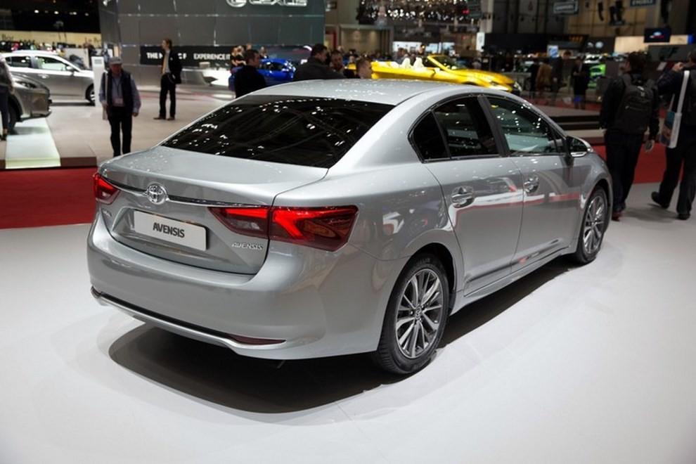 Nuova Toyota Avensis le immagini della terza generazione - Foto 6 di 6