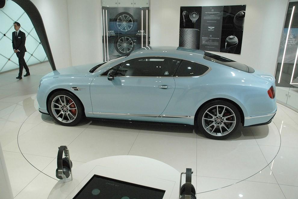 Bentley Continental GT facelift, immagini e informazioni ufficiali - Foto 4 di 14