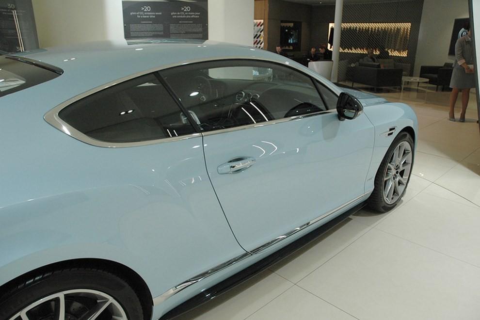 Bentley Continental GT facelift, immagini e informazioni ufficiali - Foto 5 di 14