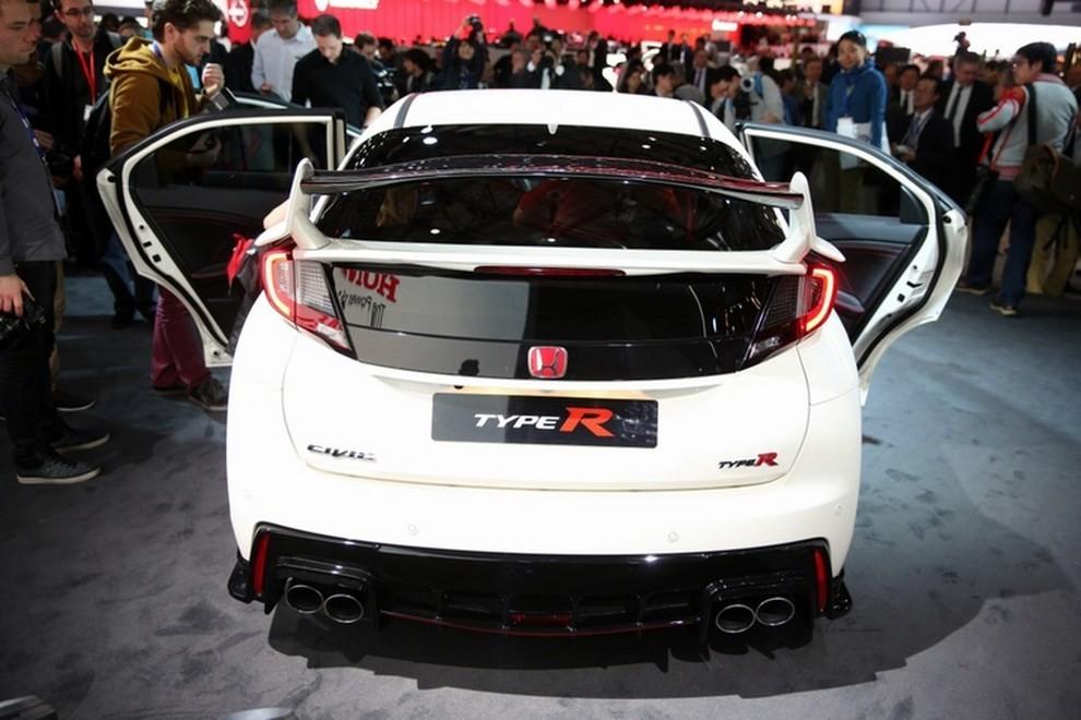 Honda Civic Type R prezzo e dotazioni - Foto 6 di 6