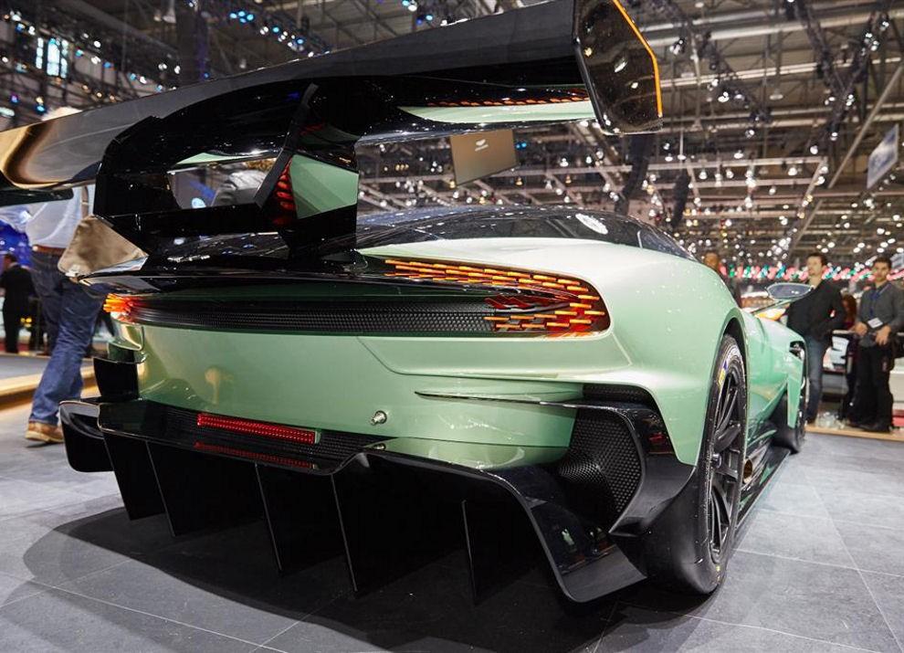Aston Martin Vulcan prime immagini ed informazioni - Foto 11 di 11