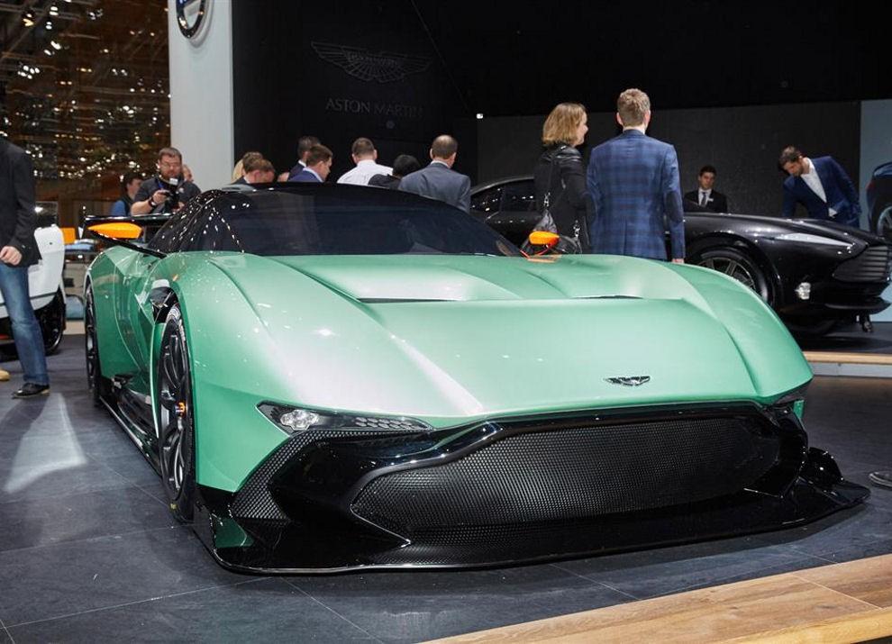 Aston Martin Vulcan prime immagini ed informazioni - Foto 2 di 11