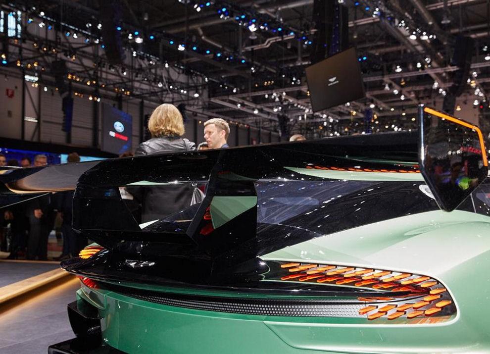 Aston Martin Vulcan prime immagini ed informazioni - Foto 5 di 11