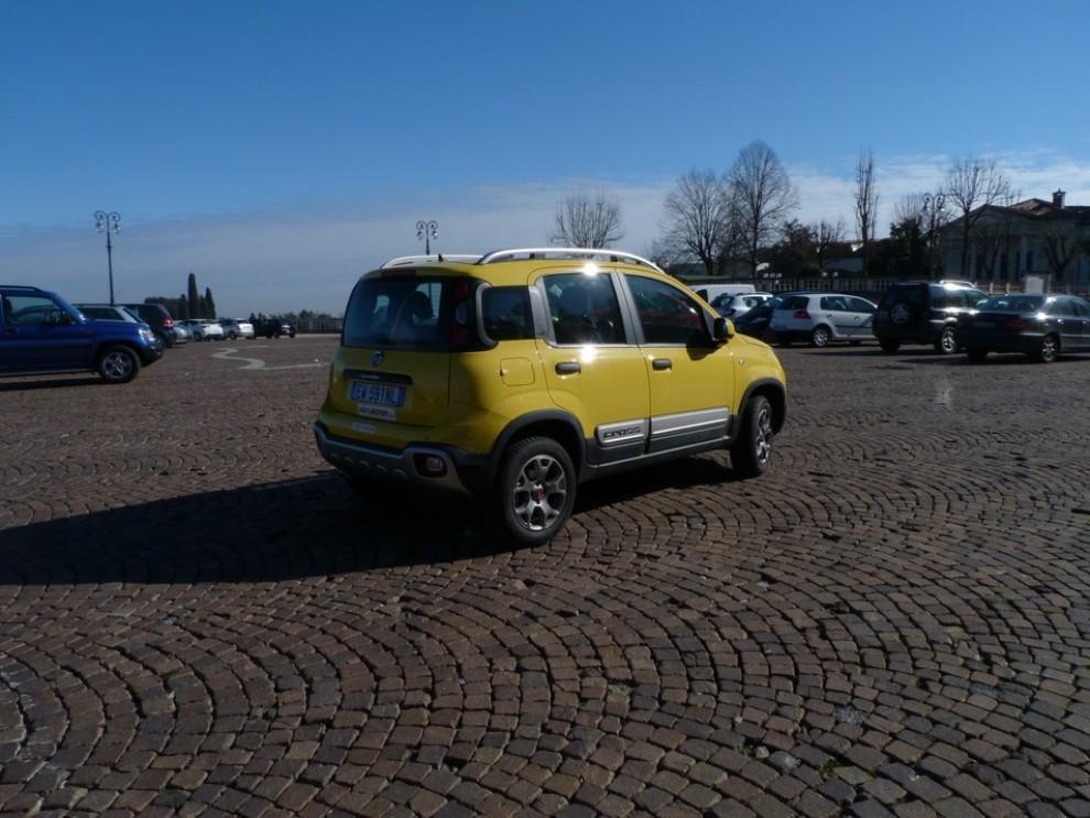 Fiat Panda Cross 1.3 MJT S&S 4×4: la prova su strada - Foto 16 di 30
